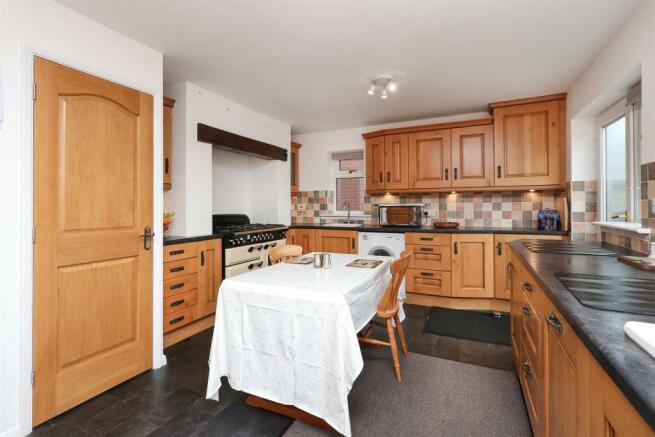 Kitchen Diner2.jpg
