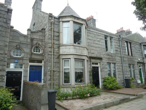 68 Cairnfield Place - Exterior