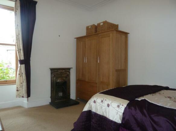 32 Thompson Street - Bedroom 1