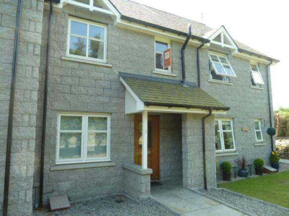 2 Laurel House exterior front