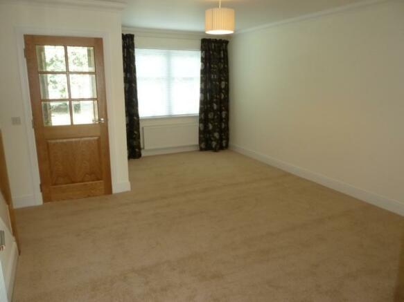 2 Laurel House living room