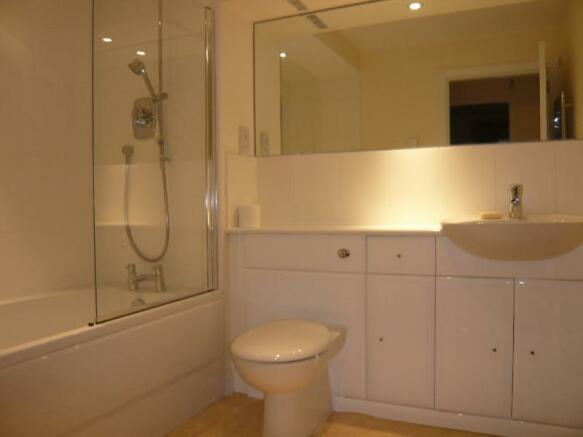 358a North Deeside Road - Bathroom