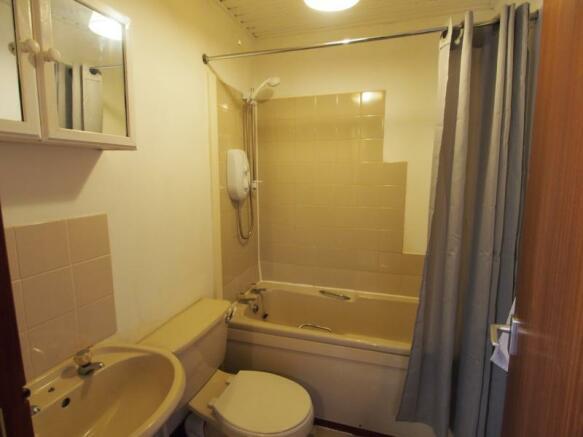 027 Bathroom