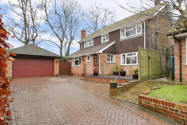 4 bedroom detached house for sale in Shepherd's Rise ...