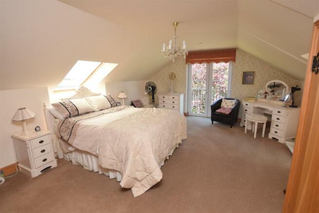 bedroomph.JPG