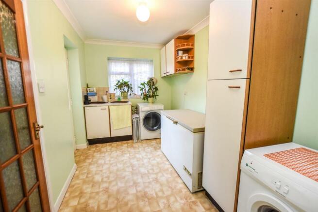 Laundry Room (2).jpg