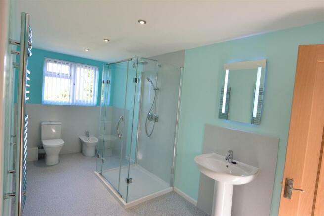 shower room DSC_4535.JPG