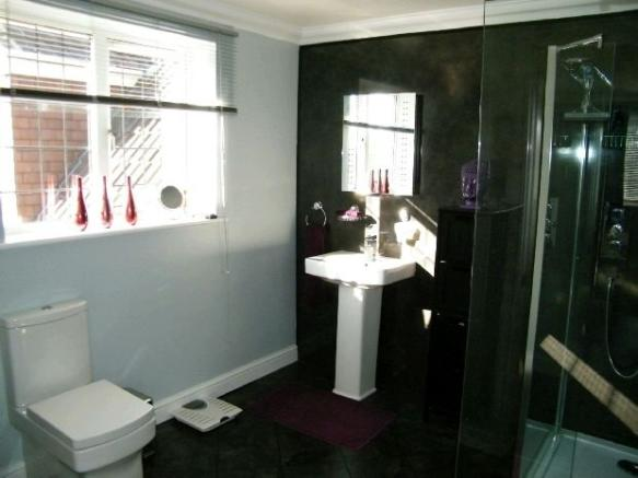 Bedroom 1 Ensuite