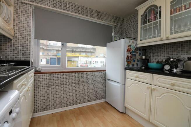 Kitchen pic 3.JPG