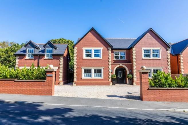 4 bedroom detached house for sale in cardiff road, creigiau, cf15