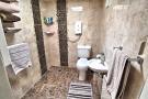 WC SHOWER ROOM