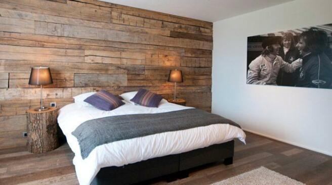 Bedrooms with wood c