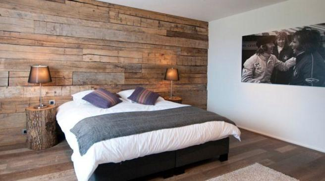 Bedrooms with wood c