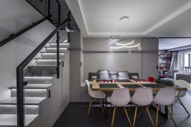 Dining area and mode