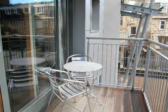14c SA - Balcony_640