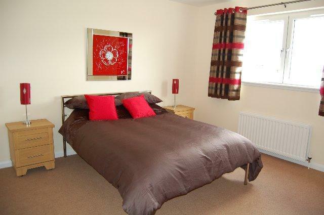 23 CP - Bedroom_640x