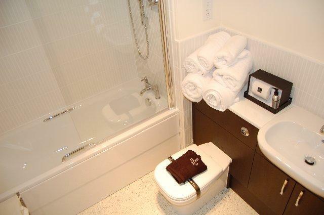 23 CP - Bathroom_640