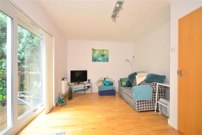 Sitting Room/ Bedroom 2