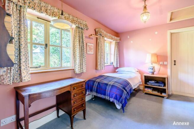 4 bedroom house for sale in Broadbridge Heath Road ...