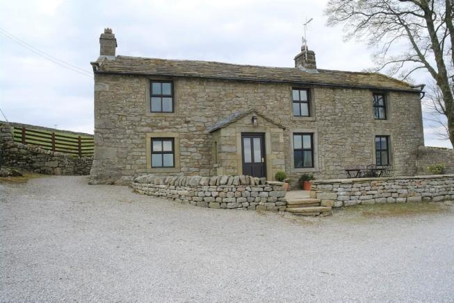 447ab6f6ee10bc 4 bedroom farm house to rent in Pickering End Farmhouse