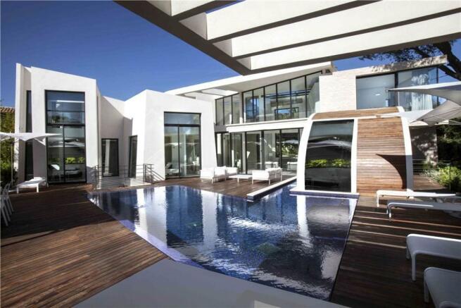 Modern St Tropez