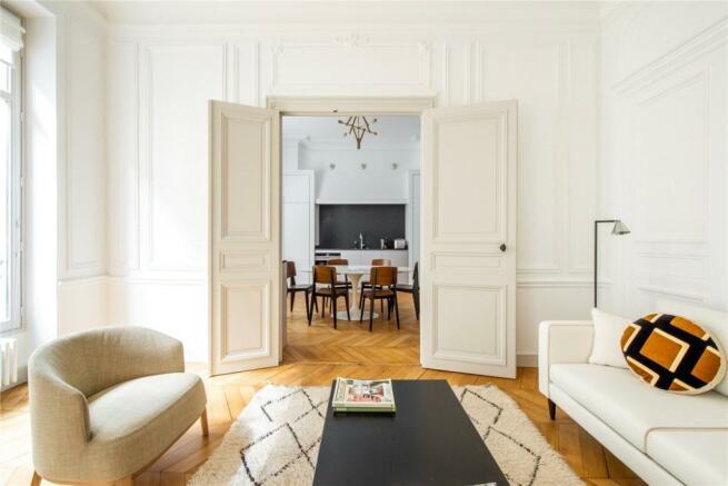 Paris 07 For Sale