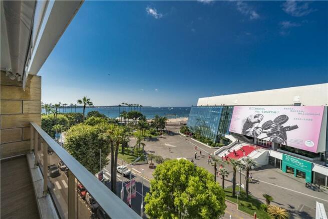 Cannes Flat Sale