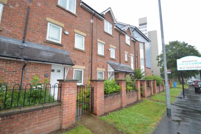 4 bedroom house to rent in Chorlton Road, Manchester, M15