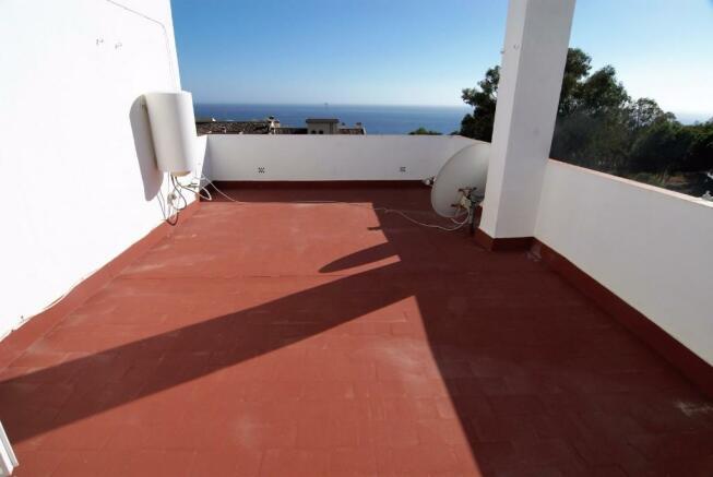 Solarium sea views!
