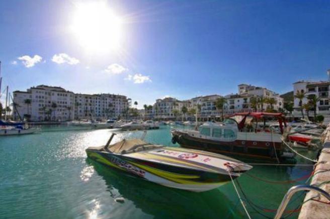 Duqeusa Marina