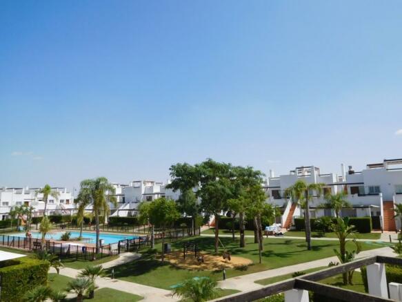 Communal Pool&Garden