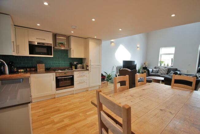 Open-Plan Kitchen/Dining Area