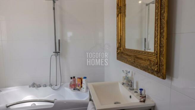 Bathroom 1st Flor