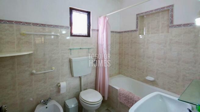 House 1 - Bathroom