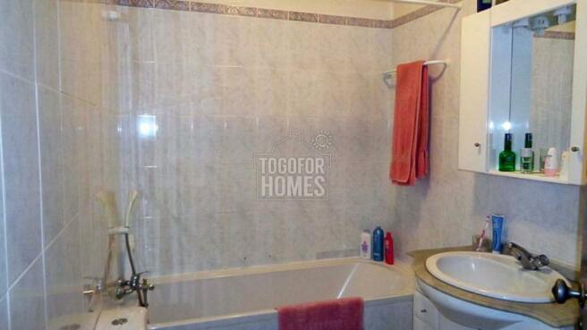 House 2 - Bathroom