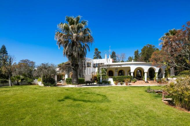 21. Villa gardens