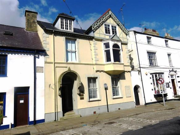 Commercial Property For Sale In Castle Street Beaumaris Anglesey LL58