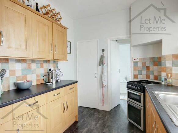 Full kitchen photo -