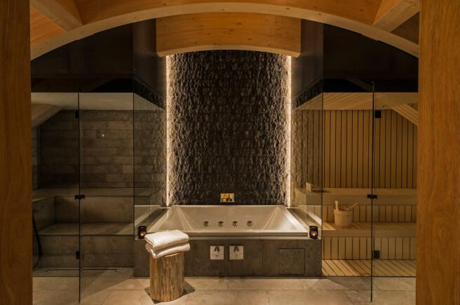 Hot tub sauna steam room Andermatt Chedi Residences