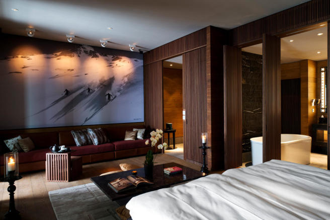 CAM-Rooms-Deluxe Room_v-1_low_res
