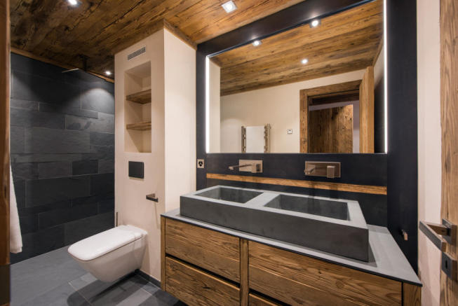 Bathroom twin sink stone Residence Alex Verbier