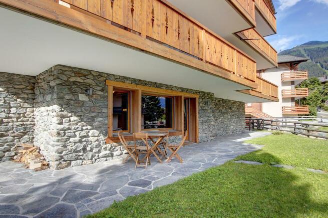 Ground floor terrace at Gai Torrent apartment in Verbier