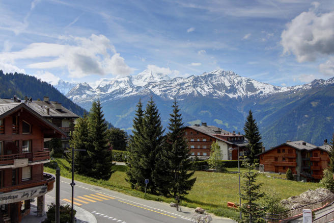General mountain view from Gai Torrent chalet building in Verbier