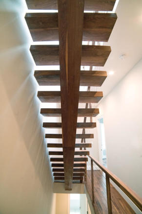 173 Concord Street - stairs