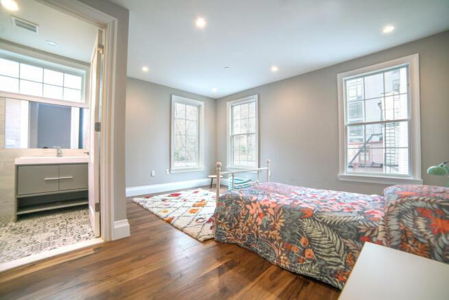 173 Concord Street - Bedroom with en suite bathroom