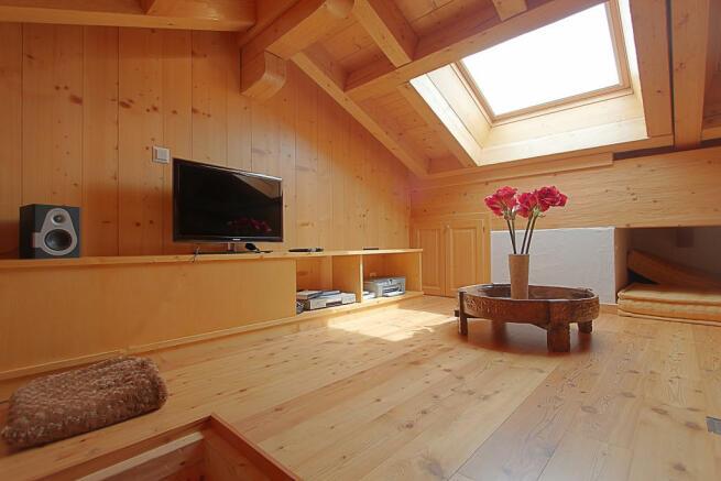 Loft mezzanine room