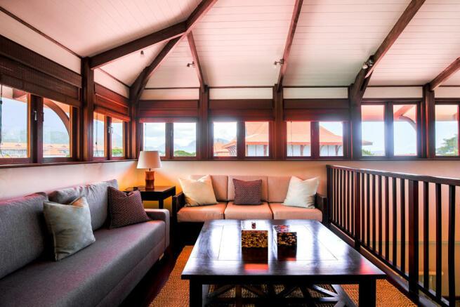 Top floor sitting room area