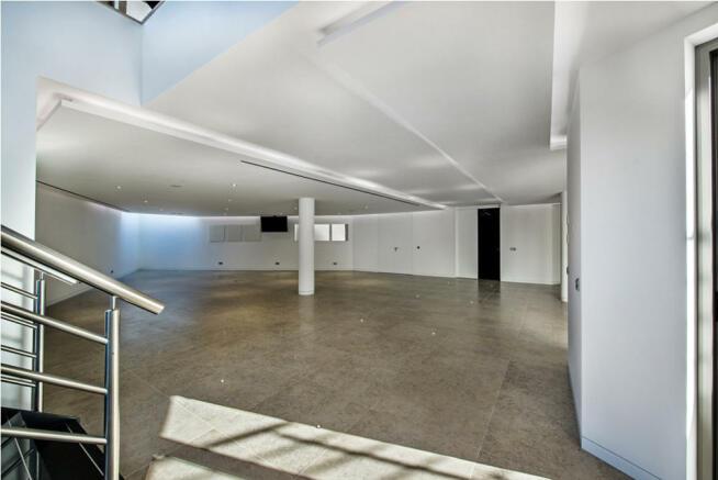 Large garage area