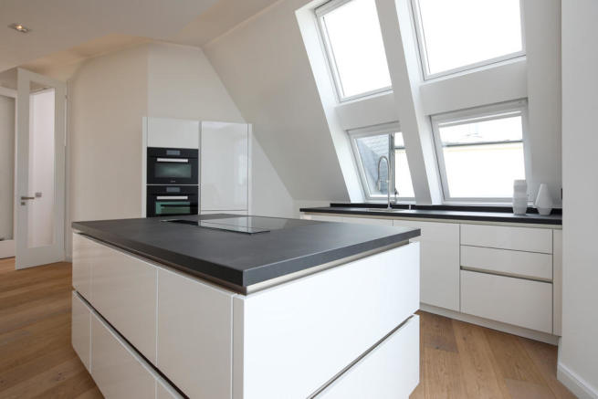 Fitted kitchen with island