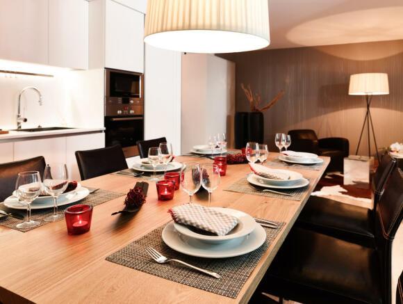 4f7_Biber_dining-table